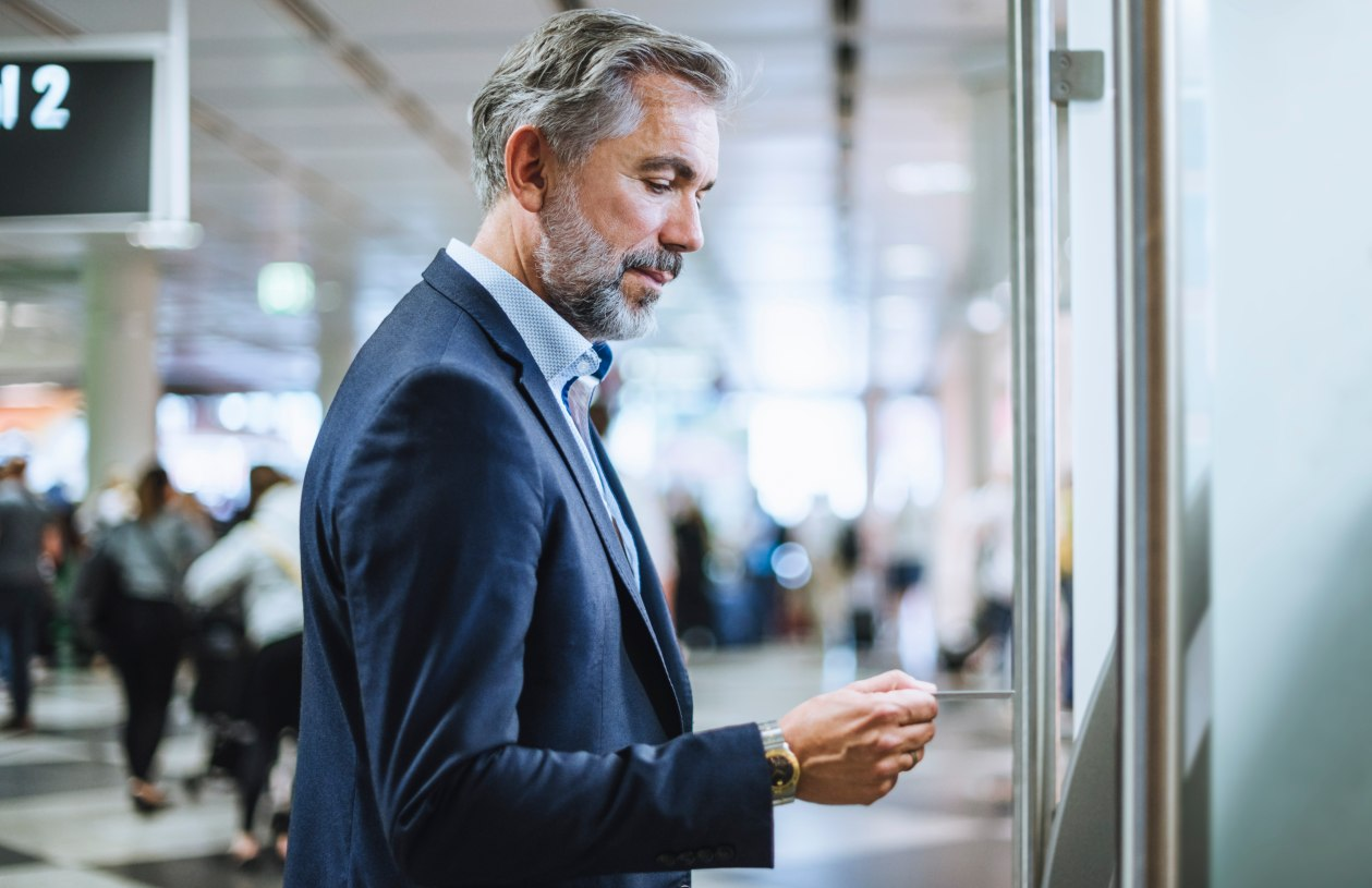 Man uses ATM rebates.