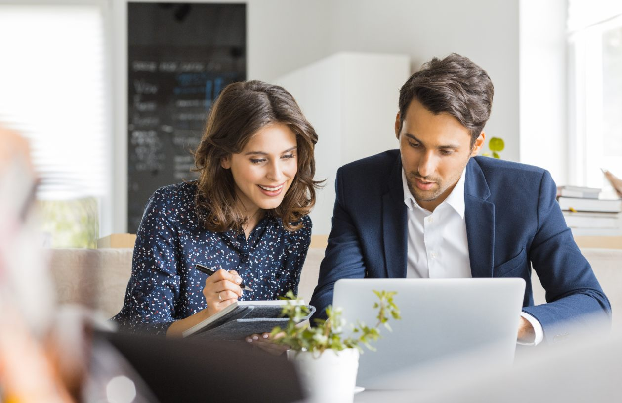 A couple learns why they should open a Roth IRA